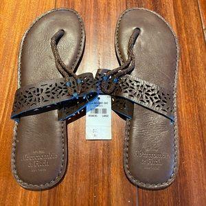 Abercrombie & Fitch women flip-flops size Large
